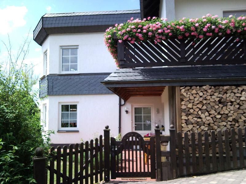winterberg top ferienwohnung haus luge winterberg sauerland auch gerne mit hund. Black Bedroom Furniture Sets. Home Design Ideas